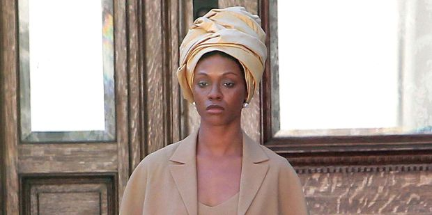 Zoe Saldana in character as Nina Simone