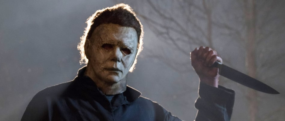 Michael Myers poised with a butcher's knife
